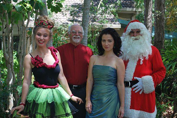 buderimcarols-katherine-ernst-bytes-mike-edwards-buderim-male-choir-natalie-peluso-and-santa-web